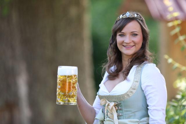 BayerBierKoenigin2014-2015_Tina-ChristinRueger_03
