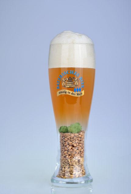 Abbildung der anteilig enthaltenen Rohstoffe pro Glas in hellem Weißbier/ Weizenbier