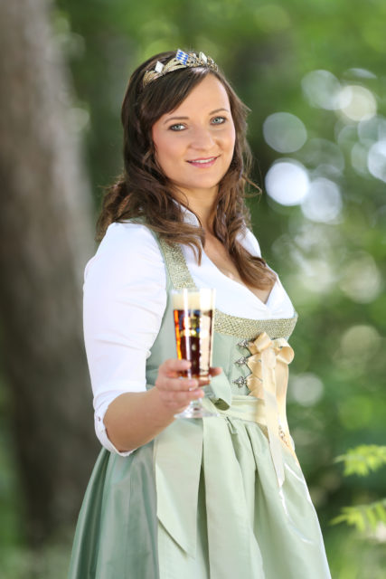 BayerBierKoenigin2014-2015_Tina-ChristinRueger_Dunkles-01