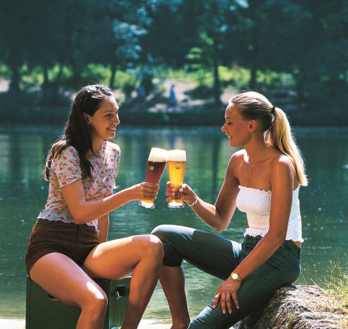 Grillen_frauen_am_fluss_2