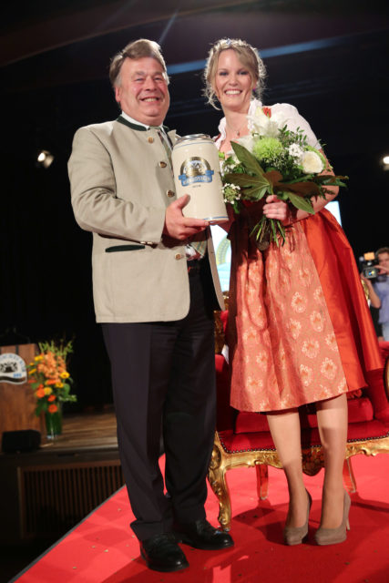 Staatsminister Helmut Brunner _Bayerische Bierkoenigin 2015-2016_Marlene Speck