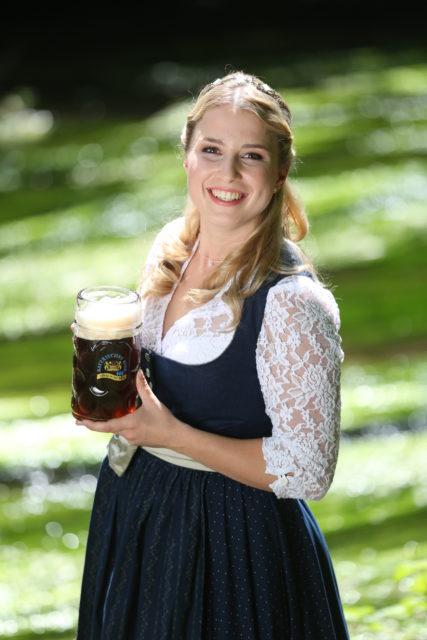 Bayerische Bierkoenigin 2016-2017 Sabine-Anna-Ullrich_Dunkles-3