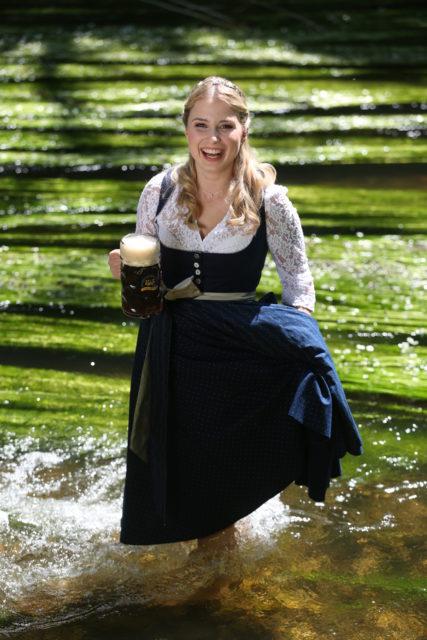 Bayerische Bierkoenigin 2016-2017 Sabine-Anna-Ullrich_Dunkles-5
