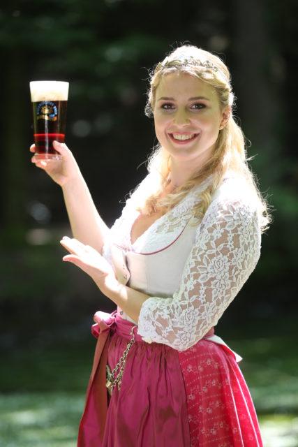 Bayerische Bierkoenigin 2016-2017 Sabine-Anna-Ullrich_Dunkles-6