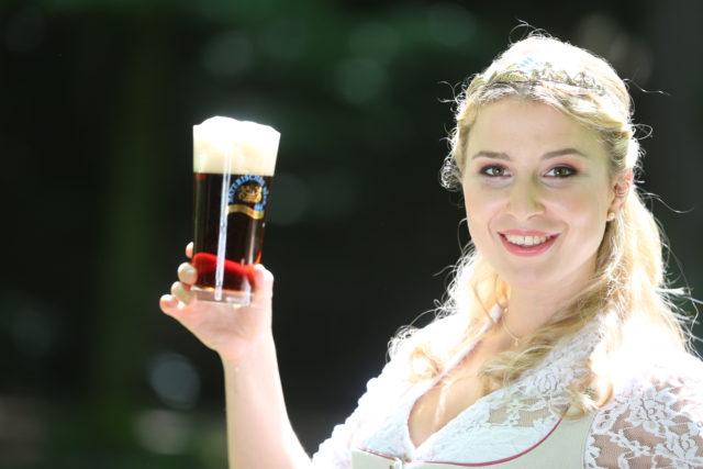 Bayerische Bierkoenigin 2016-2017 Sabine-Anna-Ullrich_Dunkles-8
