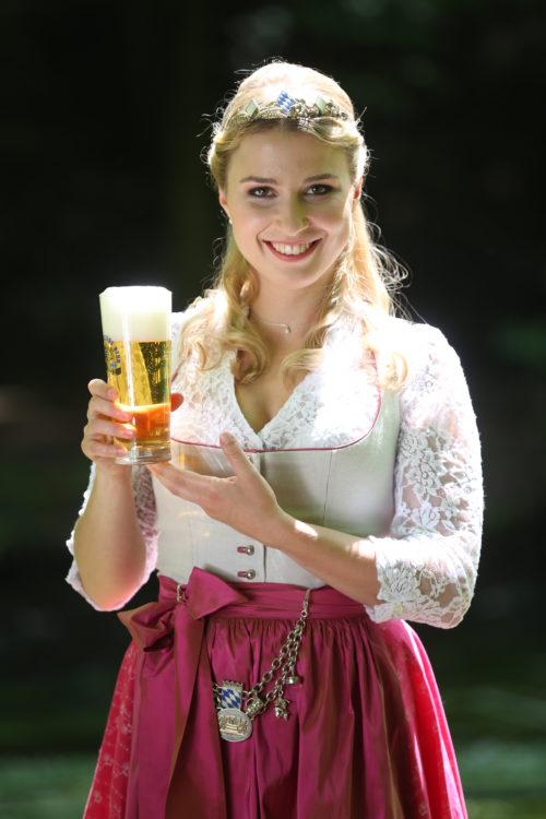 Bayerische Bierkoenigin 2016-2017 Sabine-Anna-Ullrich_Helles-2