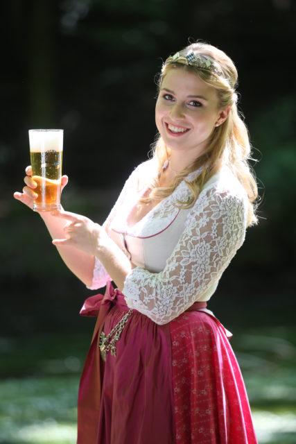 Bayerische Bierkoenigin 2016-2017 Sabine-Anna-Ullrich_Helles-3