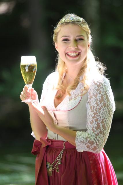 Bayerische Bierkoenigin 2016-2017 Sabine-Anna-Ullrich_Pils-1