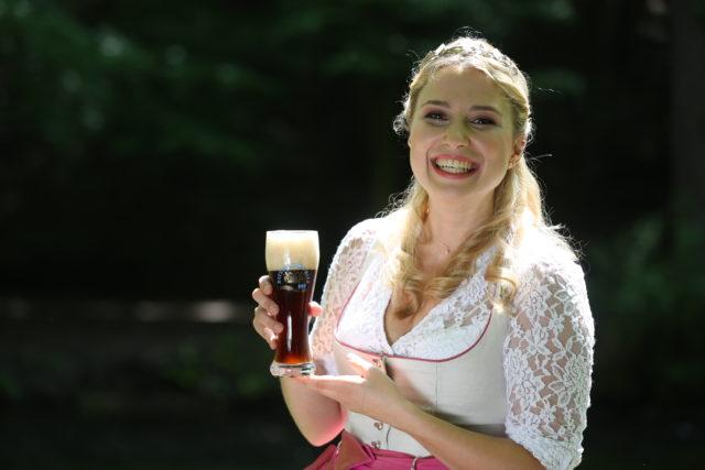 Bayerische Bierkoenigin 2016-2017 Sabine-Anna-Ullrich_dunkles Weißbier-3