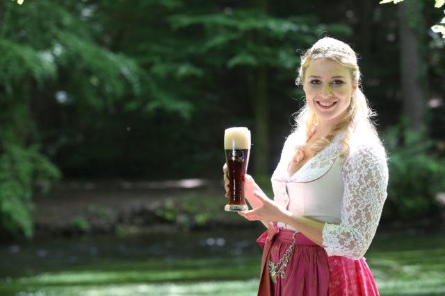 Bayerische Bierkoenigin 2016-2017 Sabine-Anna-Ullrich_dunkles Weißbier-4