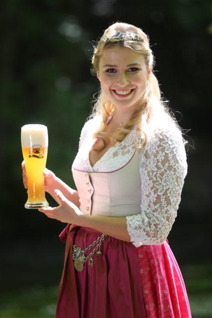 Bayerische Bierkoenigin 2016-2017 Sabine-Anna-Ullrich_helles Weißbier-5