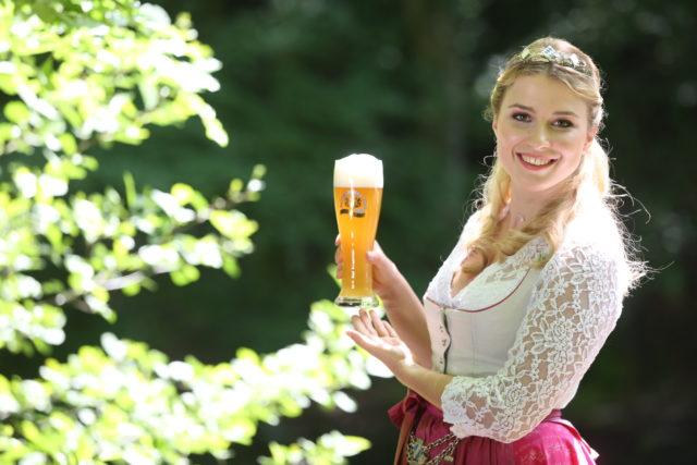 Bayerische Bierkoenigin 2016-2017 Sabine-Anna-Ullrich_helles Weißbier-6