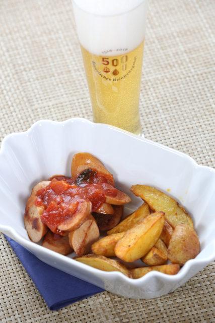 Currywurst und -Sauce und Kellerbier-4