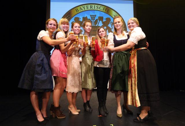 vlnr_Johanna Seiler-Sarah Mueller-Sandra Pichlmair-Magdalena Simmel-Sabrina Mair-Barbara Berger-Jana Neubert