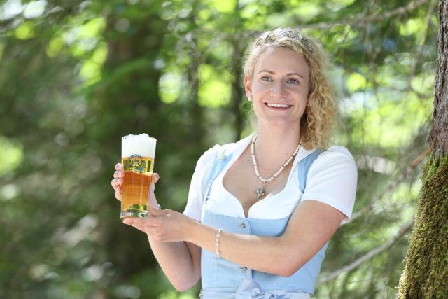 BayerBierkoenigin2018-19_Johanna Seiler_Helles-1