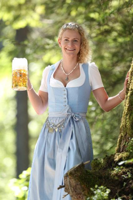BayerBierkoenigin2018-19_Johanna Seiler_Maß-10