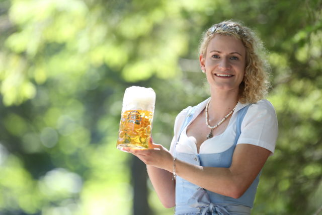 BayerBierkoenigin2018-19_Johanna Seiler_Maß-11