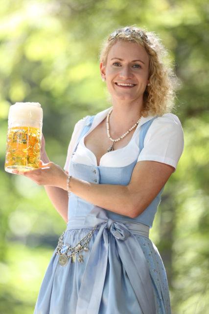 BayerBierkoenigin2018-19_Johanna Seiler_Maß-12