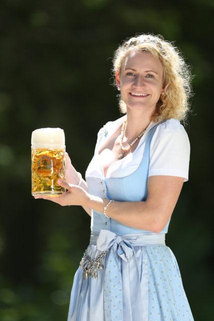 BayerBierkoenigin2018-19_Johanna Seiler_Maß-14