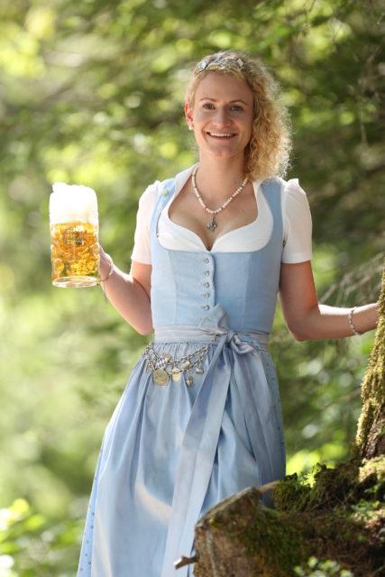 BayerBierkoenigin2018-19_Johanna Seiler_Maß-15