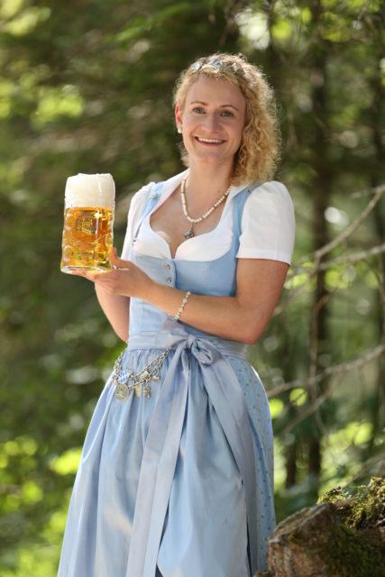 BayerBierkoenigin2018-19_Johanna Seiler_Maß-16