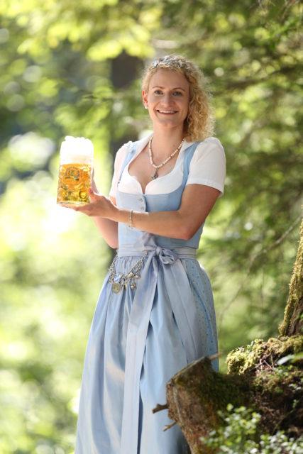 BayerBierkoenigin2018-19_Johanna Seiler_Maß-18