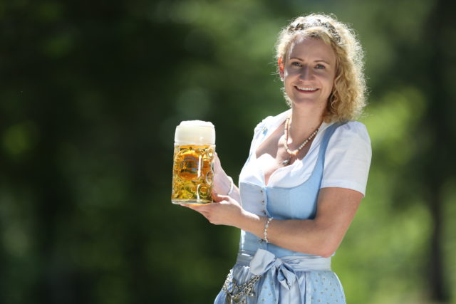 BayerBierkoenigin2018-19_Johanna Seiler_Maß-20