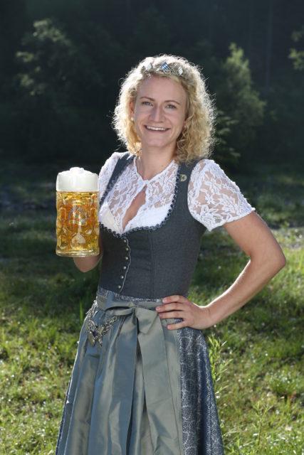BayerBierkoenigin2018-19_Johanna Seiler_Maß-22