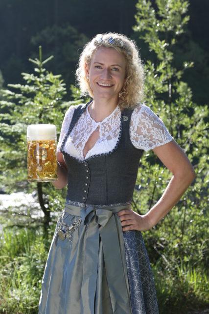 BayerBierkoenigin2018-19_Johanna Seiler_Maß-23