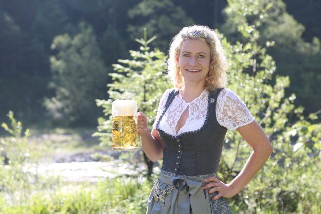 BayerBierkoenigin2018-19_Johanna Seiler_Maß-24