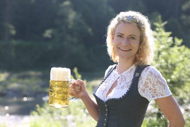 BayerBierkoenigin2018-19_Johanna Seiler_Maß-25