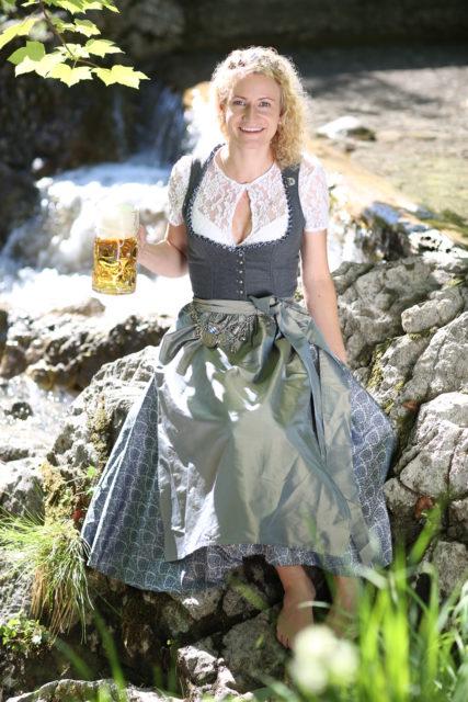 BayerBierkoenigin2018-19_Johanna Seiler_Maß-27