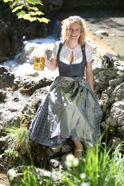 BayerBierkoenigin2018-19_Johanna Seiler_Maß-28