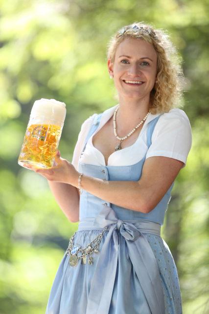 BayerBierkoenigin2018-19_Johanna Seiler_Maß-8