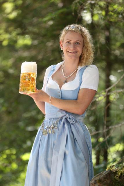 BayerBierkoenigin2018-19_Johanna Seiler_Maß-9