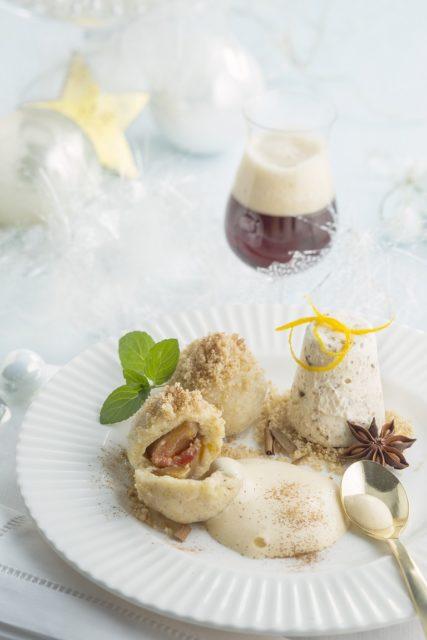 Zwetschgen-Knödel mit Lebkuchen-Parfait-Quitten-Weizenbock-Sabayon