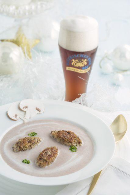 Maroni-Cremesuppe mit Waldpilz-Lebkuchen-Nocken©CarolineMartin